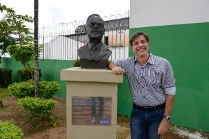 Entrega do busto de Deolindo Fróes-5