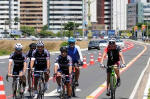 Volta Ciclística - Av. Magalhães Netto-6
